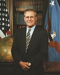Donald Rumsfeld - Bildquelle: Wikipedia / Scott Davis, U.S. Army