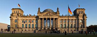 Bundestag - Bildquelle: Wikipedia / Jürgen Matern, www.juergen-matern.de