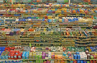 Supermarktregale - Bildquelle: Wikipedia / lyzadanger