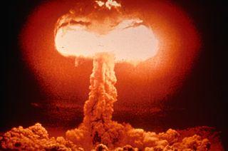 Atombombenexplosion - Bildquelle: Wikipedia / FEMA News Photo