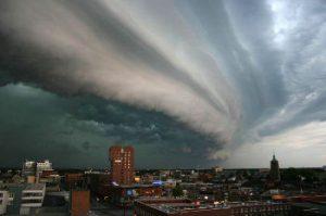 Sturm - Bildquelle: Wikipedia / John Kerstholt, Creative Commons Attribution-Share Alike 3.0 Unported