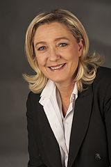 Marine Le Pen - Bildquelle: Wikipedia / Foto-AG Gymnasium Melle, Namensnennung – Weitergabe unter gleichen Bedingungen 3.0 nicht portiert