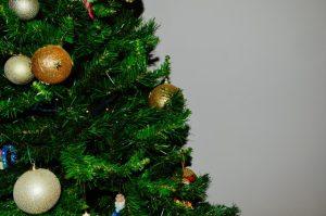 Weihnachtsbaum - Bildquelle: Pexels / Theodore Kalogeropoulos; Creative Commons Zero (CC0) Lizenz