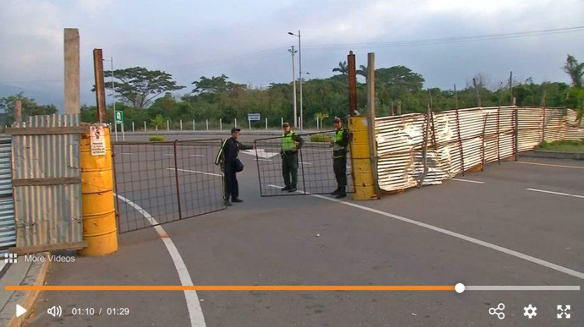 Tienditas-Brücke kolumbianische Seite - Bildquelle: Screenshot-Ausschnitt Video auf https://www.welt.de/politik/ausland/video188407223/Venezuela-Hilfsgueter-als-Politikum.html